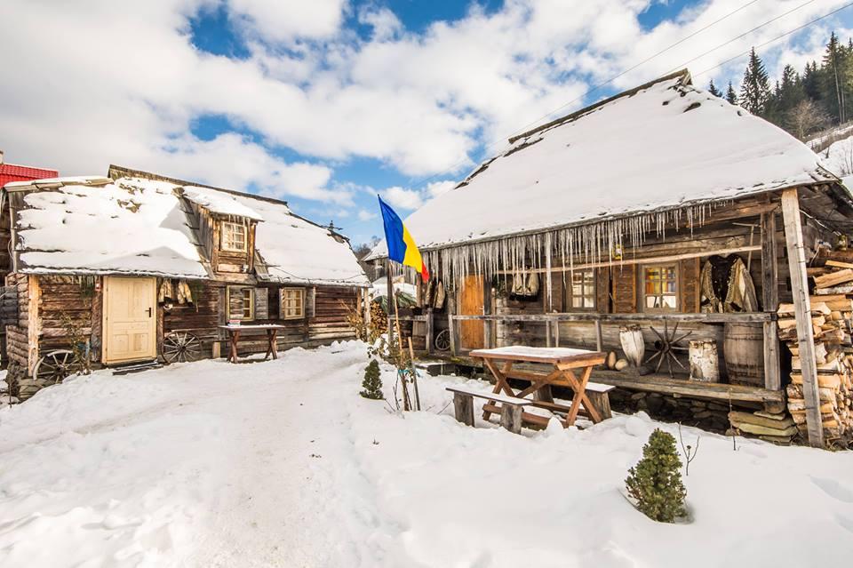 pensiunea satul bucovinean