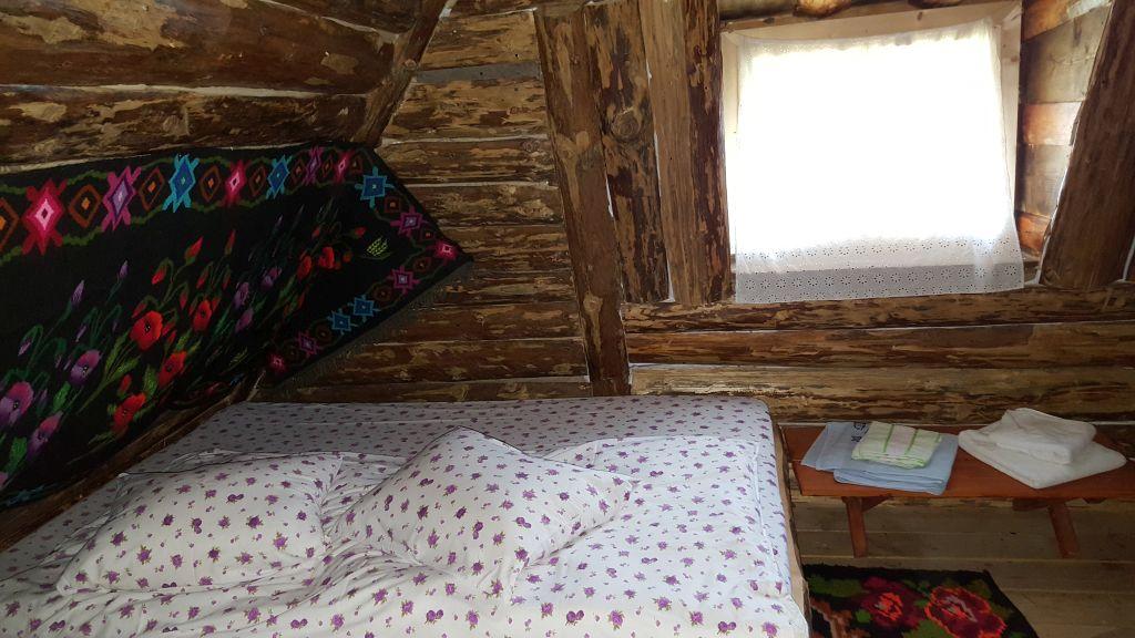 cazare satul bucovinean