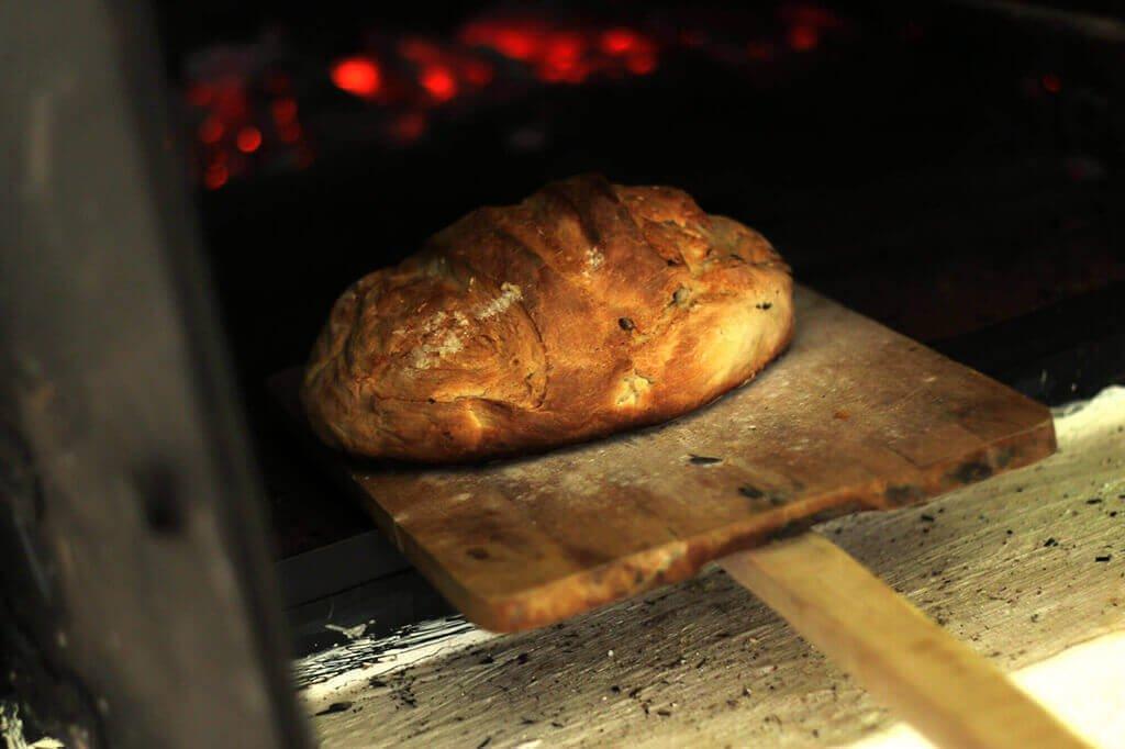 paine pe vatra buzau