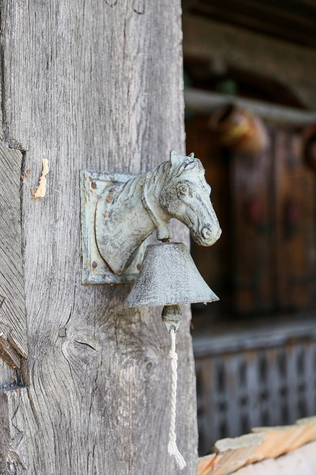 gradina vlahiia cazare case traditionale