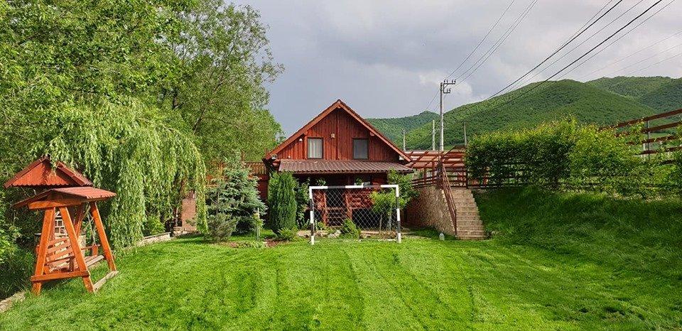 cazare cabana montana wolf's house