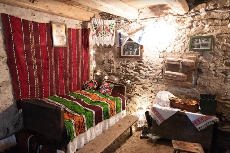 cazare case traditionale banat montan